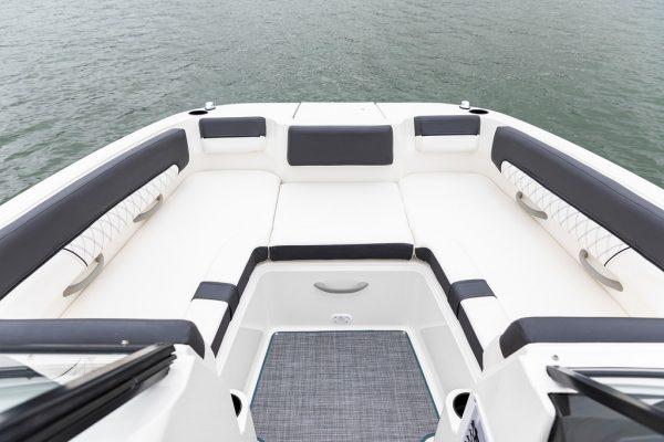 Bayliner DX2200 Deck Boat