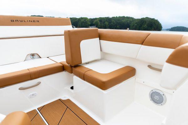 Bayliner DX2050 Deck Boat
