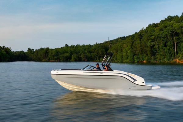 Bayliner DX2250 Deck Boat